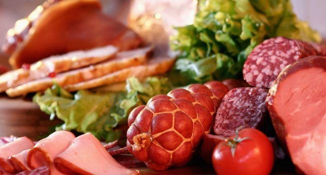 Употребление копчёной колбасы может сделать человека бесплодным