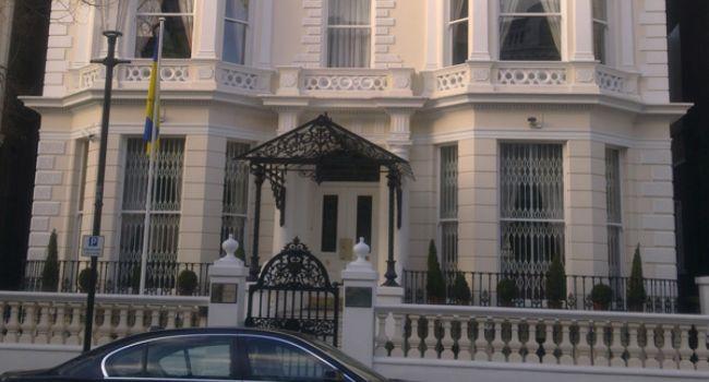 Нападение на посла Украины в Лондоне: таран, стрельба и задержание – все подробности ЧП