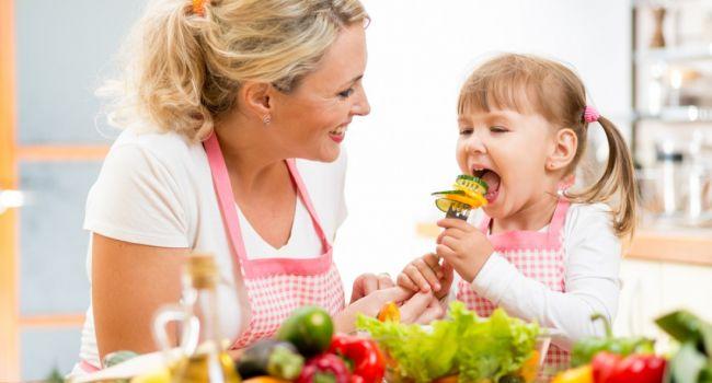 Как научить ребёнка культуре питания