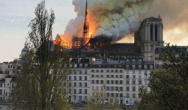 «Это позор!»: посла Франции шокировала шутка украинского политолога о пожаре в Париже