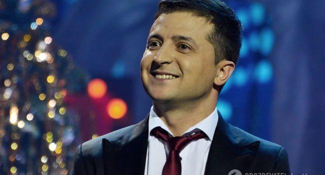Если бы в Украине были подлинные, а не имитационные политтехнологи и журналисты, от Зеленского давно бы мокрое место осталось, – блогер