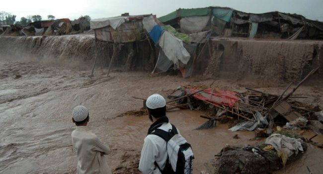 Смертельное наводнение в Пакистане: сообщается о десятках погибших