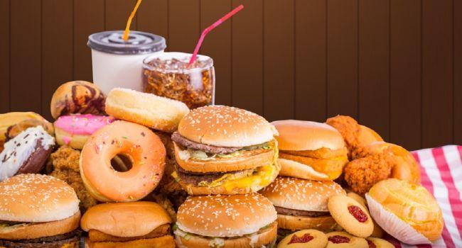 Ухудшают здоровье ежедневно: эксперты рассказали о самых опасных продуктах