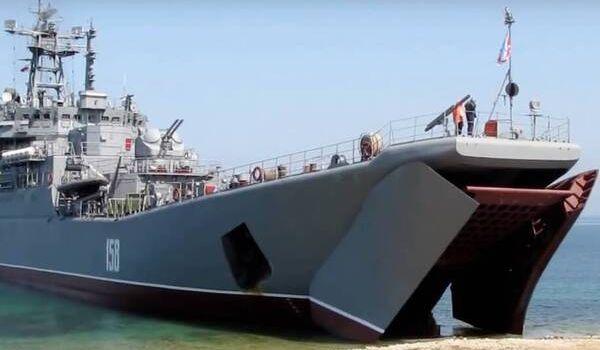 «Везет как утопленнику»: в Черном море российский военный корабль потерпел фиаско