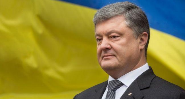 Порошенко не может позволить себе уйти из украинской политики – Доний