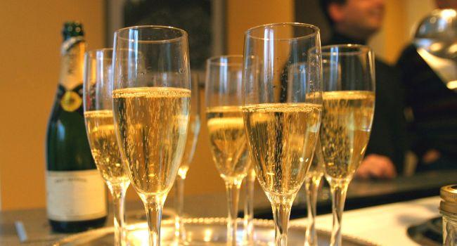 Эксперты обнаружили в шампанском полезные свойства для женского здоровья