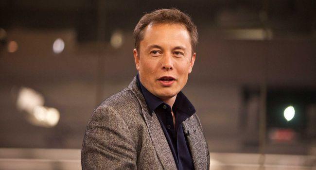 Илон Маск заявил о масштабном запуске роботакси