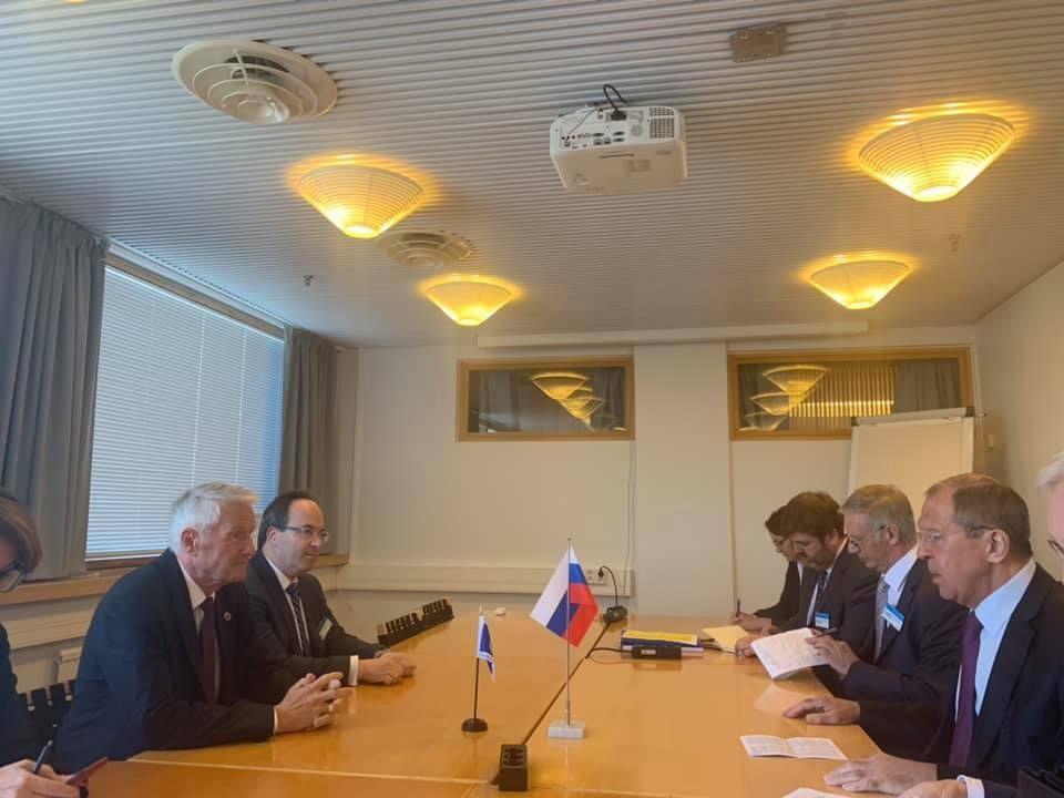 «Ух, мы этих европейцев шапками закидаем»: Захарову в очередной раз высмеяли за попытку показать величие РФ
