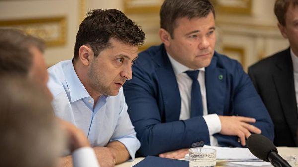 «Завтра він візьме в список всіх однокласників з Кривого Рогу»: журналіст розкритикував перші кроки нового президента Зеленського
