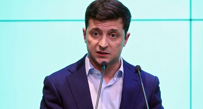 Политолог: «Зеленский может предложить нардепам выйти через окно или парадный вход Верховной Рады»