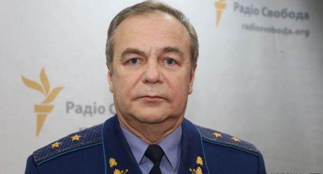 «Никакого вторжения, только «пятая колонна»: генерал прокомментировал выдачу российских паспортов в Украине