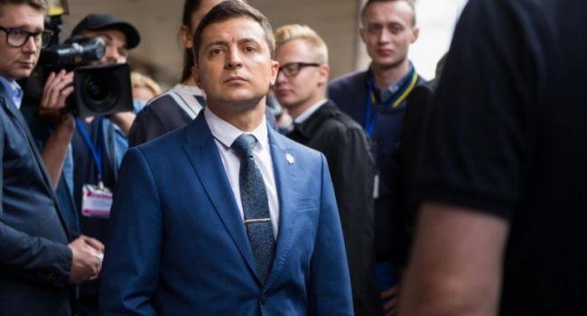 Простые украинцы могут помочь Зеленскому с роспуском Верховной Рады - Окара