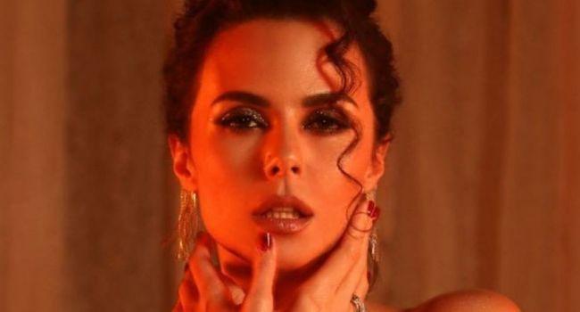 «Идеальная женщина!» Настя Каменских покорила сеть своей красотой