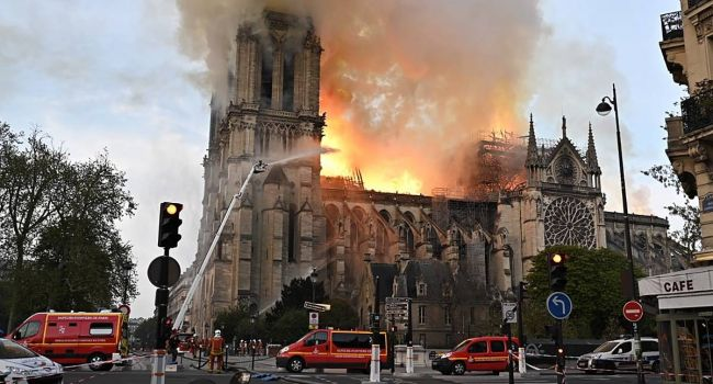 Во Франции одобрили законопроект о реставрации собора Парижской Богоматери
