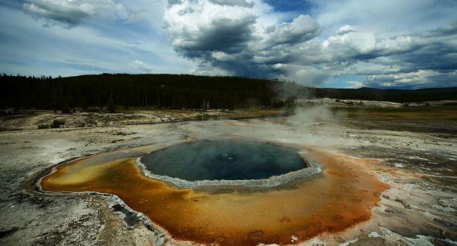Ученые: «Самый опасный в мире вулкан показывает аномальную активность»