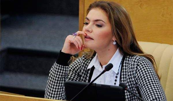СМИ сообщили о тайных родах любовницы Путина Кабаевой: подробности