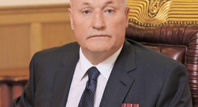 Порошенко подписал указ о награждении скандального чиновника, подозреваемого в воровстве десятков миллионов