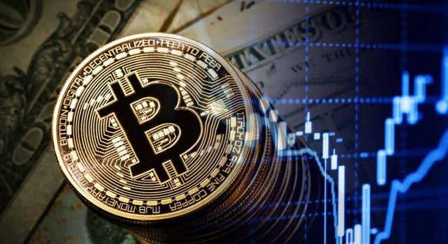 Есть новая высота - курс биткоина пробил отметку 8 тысяч долларов