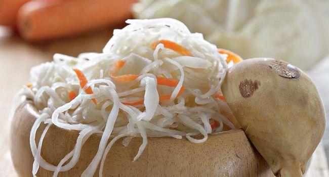 Квашеная капуста может стать альтернативой солёным огурцам при беременности