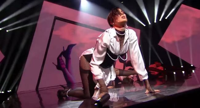 «Просто чистый секс!» Певица MARUV снялась в чувствительной фотосессии для российского глянца