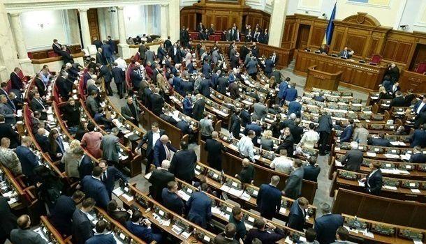 Досрочные парламентские выборы невыгодны только для «Народного фронта» - мнение