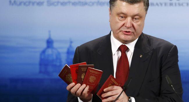 Эксперт: «Невыносимо стыдно за поведение Порошенко»