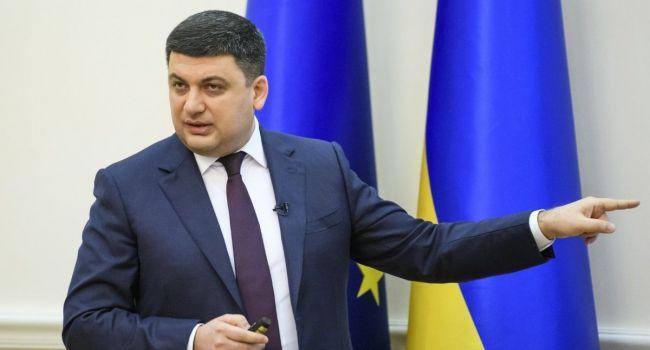 Себастьянович: все ждут, что Зеленский начнет нянчиться с Гройсманом, упрашивать остаться, а ведь эффективности от того – полный ноль