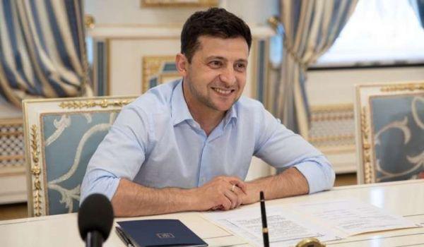 Агрессору ни пяди украинской земли: состоялась первая встреча Зеленского с волонтерами