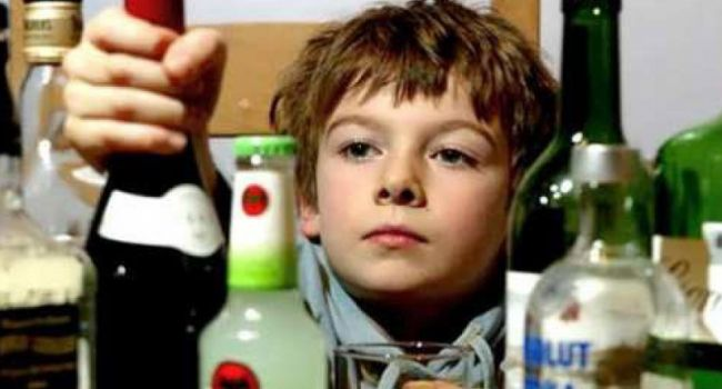 Каждый седьмой десятилетний украинский ребёнок хоть раз в жизни употреблял алкоголь