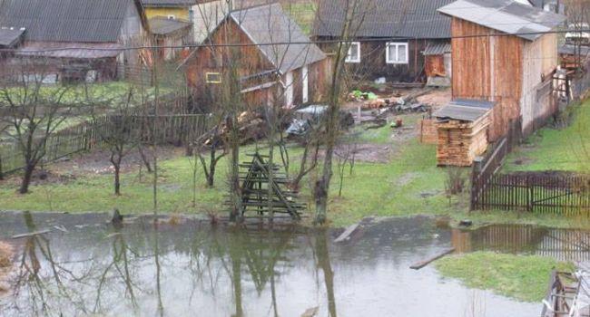 Паводок на Закарпатье затопил более 100 жилых домов