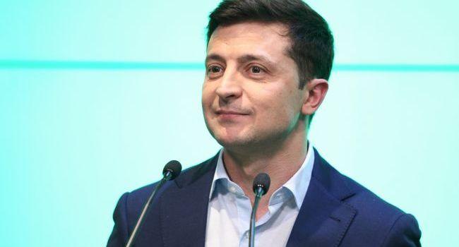 Определенными действиями Зеленский вгоняет сам себя в правовую коллизию - политолог
