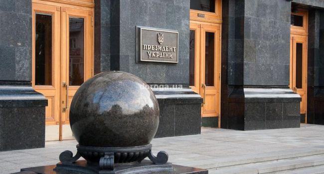 Муждабаев: ни АП, ни каких-либо других органов власти в зданиях, построенных для КПСС, быть не должно