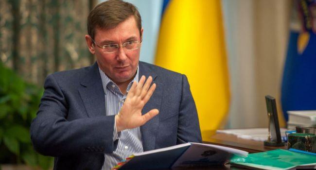Луценко порвал перед украинцами заявление Шуфрича о государственной измене Турчинова-Порошенко