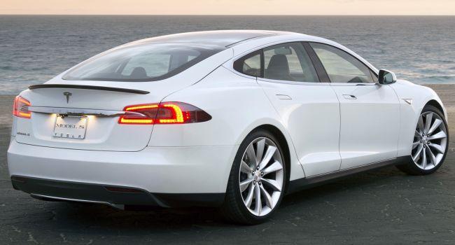 Владелец Tesla Model S поделился впечатлениями об эксплуатации электрокара после 725 тысяч километров пробега