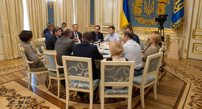 На встрече с Зеленским Тимошенко поддержала любую узурпацию власти, если этого хочет народ, – историк