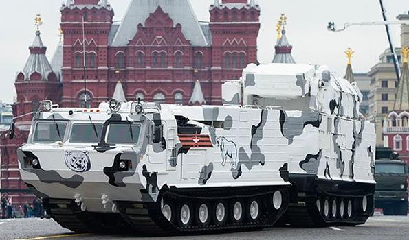 Полное фиаско: сошедший с рельсов эшелон уничтожил уникальную военную технику РФ