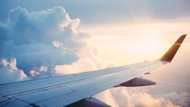 В России пассажирский самолет опять попал в ЧП: подробности