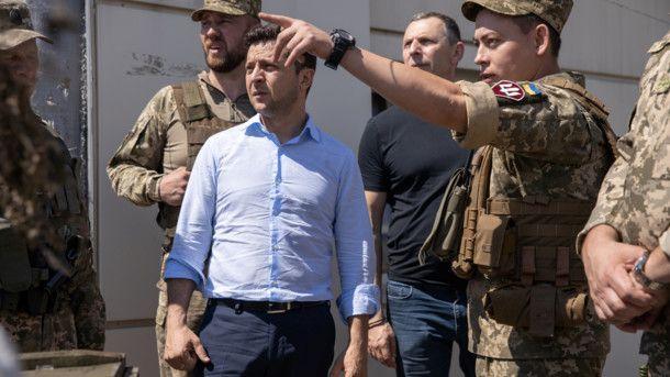 Зеленский все-таки прибыл на Донбасс: что известно о программе визита