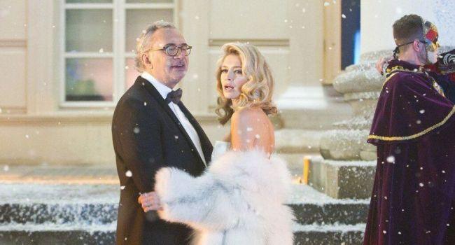 «Пока Костя гуляет в клубе, ныряя в бюст неизвестной пышной блондинки»: Вера Брежнева отреагировала на громкий скандал с ее мужем