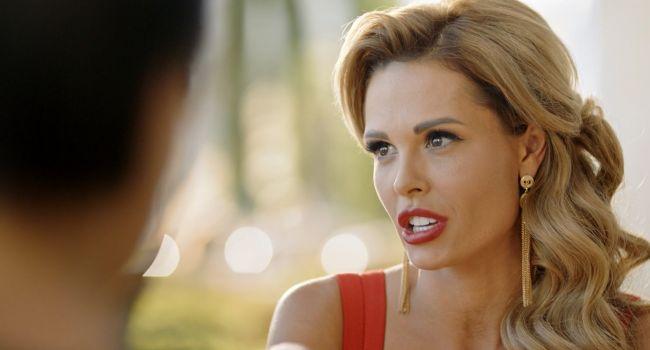 «Булки сочные!» Запрещенная СБУ российская актриса сразила наповал сексуальным фото в сети
