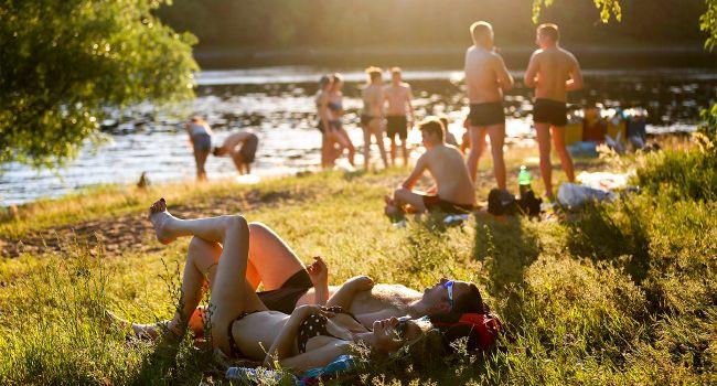 Местами до +35: синоптики рассказали о жаре во вторник