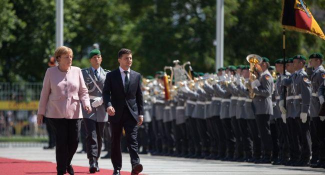Волонтер: мы можем критиковать Зеленского внутри страны, но не имеем права это делать перед иностранцами