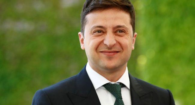 Политолог о Зеленском: «Испортил отношения с Россией, а потом ест вареники»