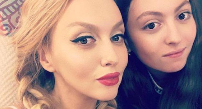 Дочь Оли Поляковой перестала дышать и попала в больницу