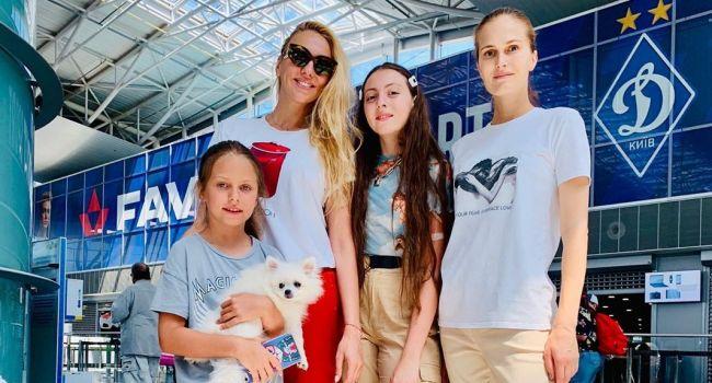 Оля Полякова отправила свою дочь в лагерь известной модели