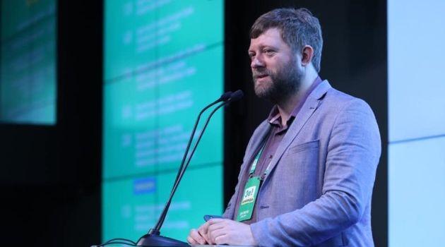 Александр Корниенко анонсировал реформирование украинского парламента усилиями партии «Слуга народа»
