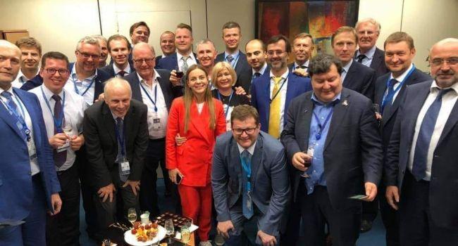 Нусс: возлагаю вину за первые глобальные поражения Украины на дипломатическом фронте на президента и избирателей