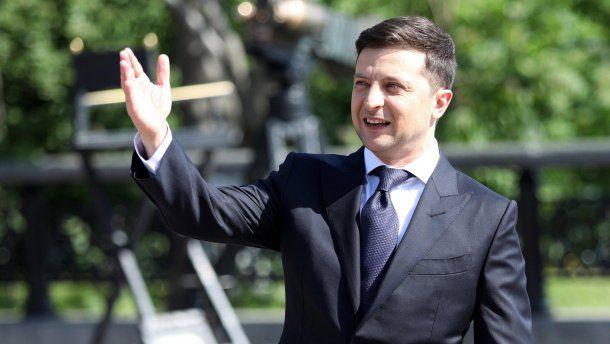 Зеленский поднимает рейтинг своей политической силы, действуя нестандартно - мнение