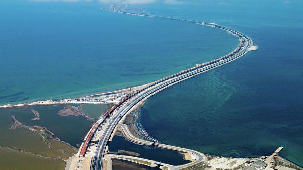 «Ожидание и реальность!» В сети показали безлюдный Крымский мост