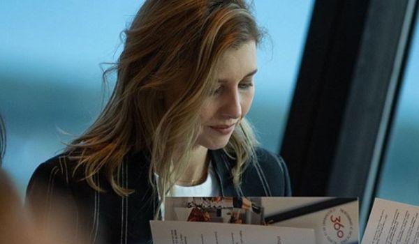 «И куда стилисты смотрят?»: в сети неоднозначно оценили новый образ Елены Зеленской